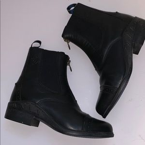 Ariat Shoes - Ariat Heritage zip up Black Boot size 7.5
